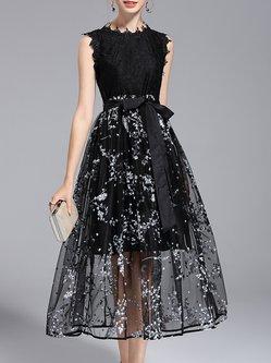 Plus Size Black Crew Neck Floral A-line Midi Dress