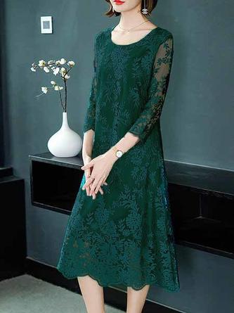 Green 3/4 Sleeve Elegant A-Line Date Embroidered Midi Dress