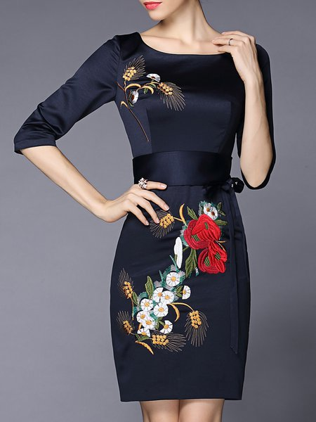 Crew Neck Embroidered Half Sleeve Floral Vintage Midi Dress