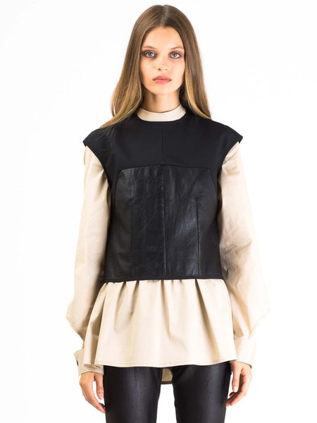 Black Sleeveless Leather Solid H-line Blouse
