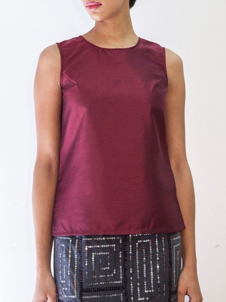 Burgundy Plus Size Simple H-line Crew Neck Tanks And Cami