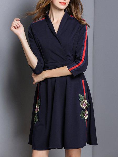 Floral Elegant Surplice Neck 3/4 Sleeve Paneled Midi Dress