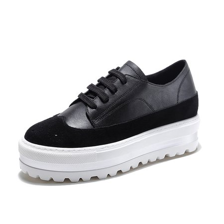 Black Athletic Lace-up Leather Sneakers