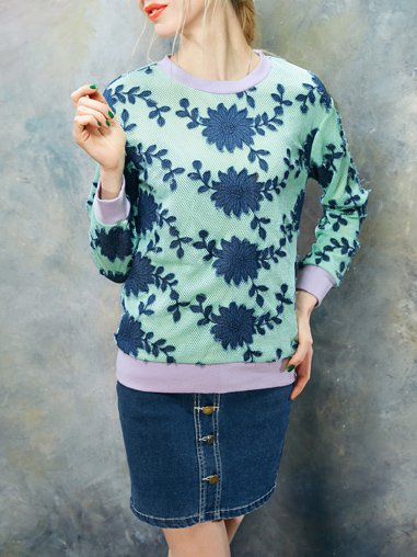 Blue Long Sleeve Appliqued H-line Floral Sweatshirt