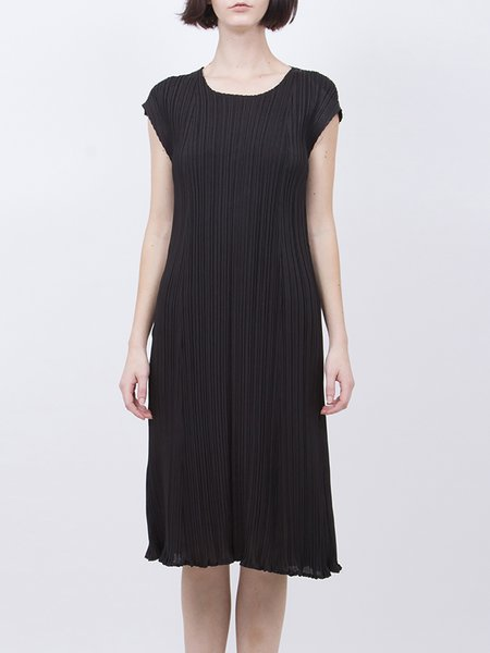 Black Pleated Crew Neck Short Sleeve Midi Dress