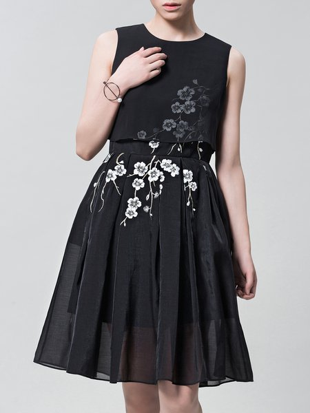 Black Casual Embroidered Floral Midi Dress
