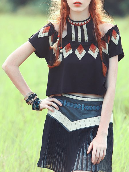 Short Sleeve Off-shoulder Casual Cropped Top