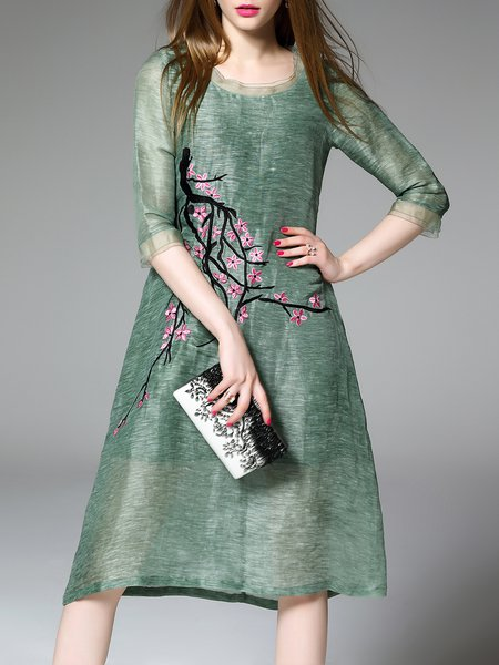 Green Half Sleeve Broderie Midi Dress