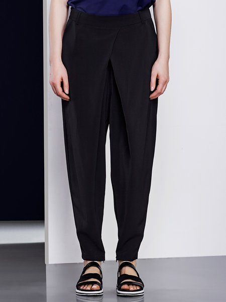 Black Pockets Simple Flared Pant