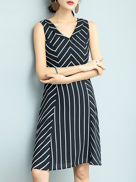 Sleeveless Polyester Printed Elegant V Neck Midi Dress