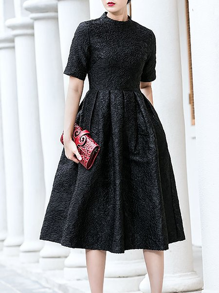Elegant Embroidered Short Sleeve Crew Neck Midi Dress