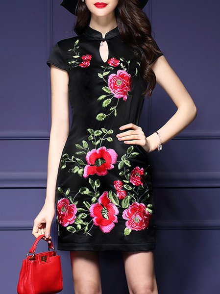 Vintage Floral Embroidered Stand Collar Short Sleeve Mini Dress