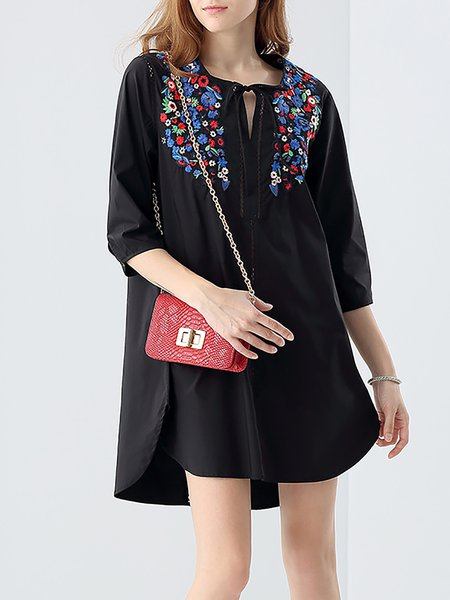 Black Shift Floral-embroidered 3/4 Sleeve Casual Tunic
