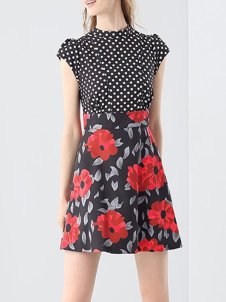 Black A-line Floral Printed Short Sleeve Mini Dress