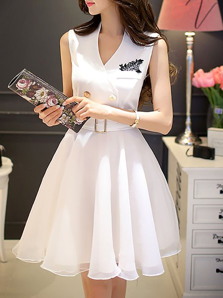 White Sleeveless Buttoned Plain Mesh Mini Dress with Belt