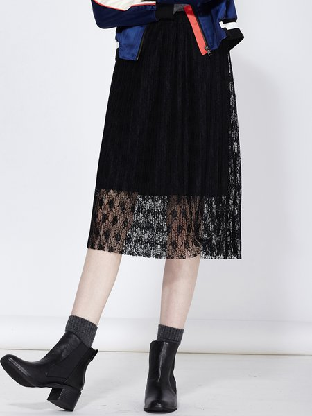 Black Sweet Crocheted H-line Lace Midi Skirt