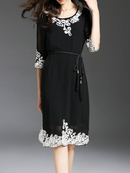 Black Half Sleeve A-line Crew Neck Floral Midi Dress