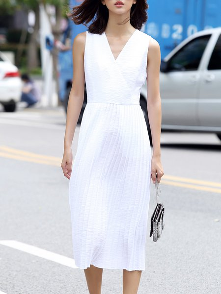 White Sleeveless Pleated Midi Dress