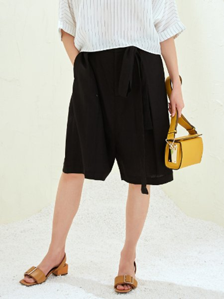 Black Pockets Simple Plain Cropped Pants with Belt