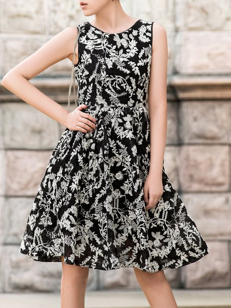 Embroidered Sleeveless Polyester Crew Neck Midi Dress