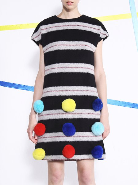 Cute Appliqued Short Sleeve Alpaca Wool Blend Midi Dress