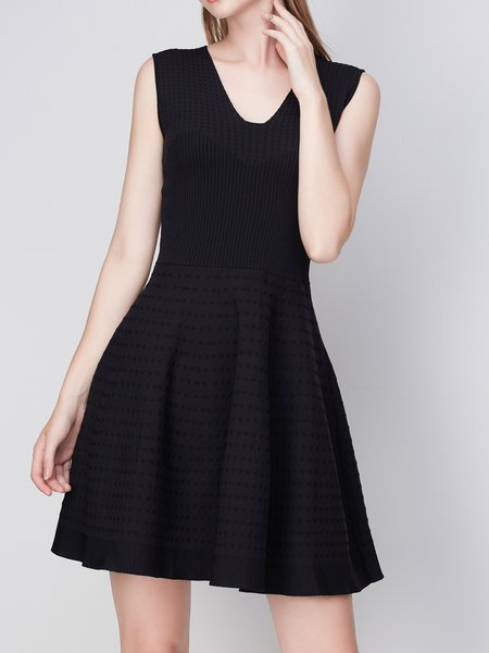 Folds Girly Sleeveless V Neck Sweater Dress