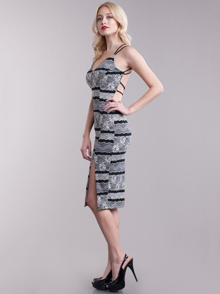 https://www.stylewe.com/product/roses-pattern-cross-back-sheath-printed-sexy-spaghetti-party-dress-114481.html