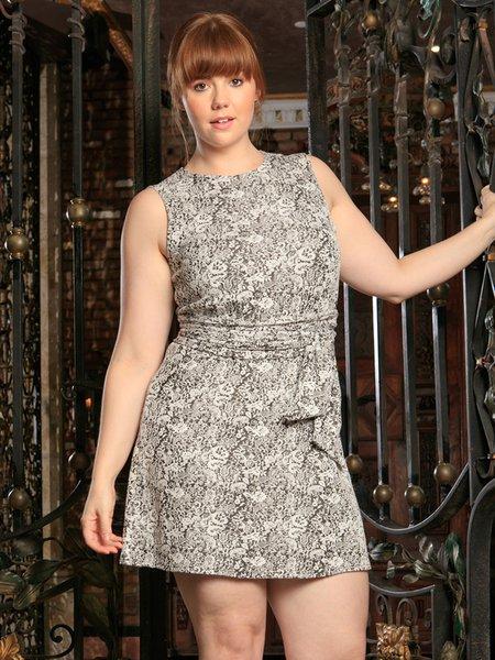 Vintage Printed Sleeveless Plus Size Mini Dress with Belt ...