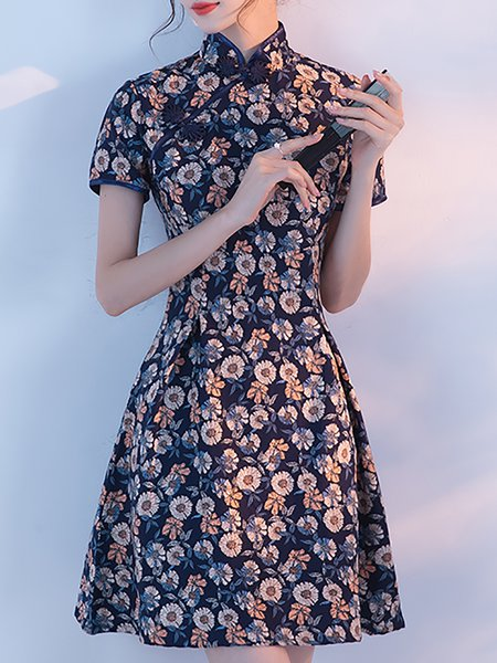 Floral Printed Buttoned Stand Collar Mini Dress
