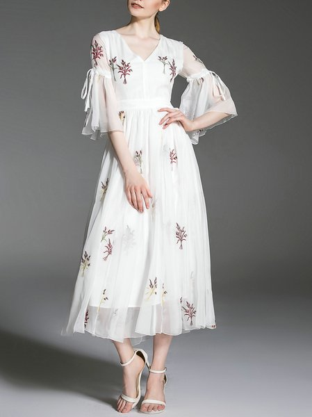 Elegant 3/4 Sleeve Embroidered Midi Dress