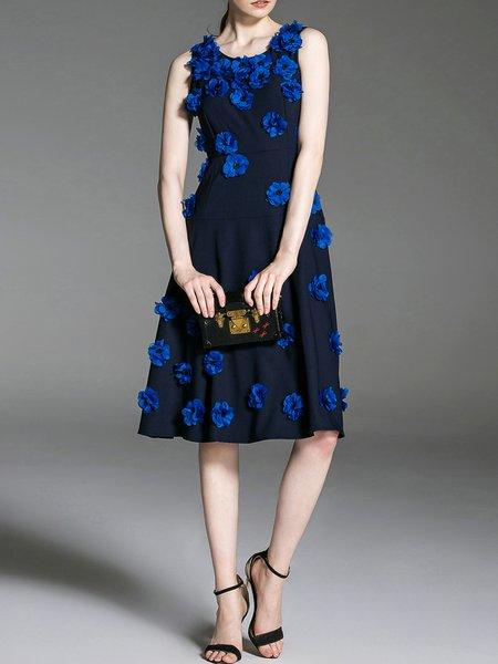 Elegant Sleeveless A-line Crew Neck Appliqued Midi Dress