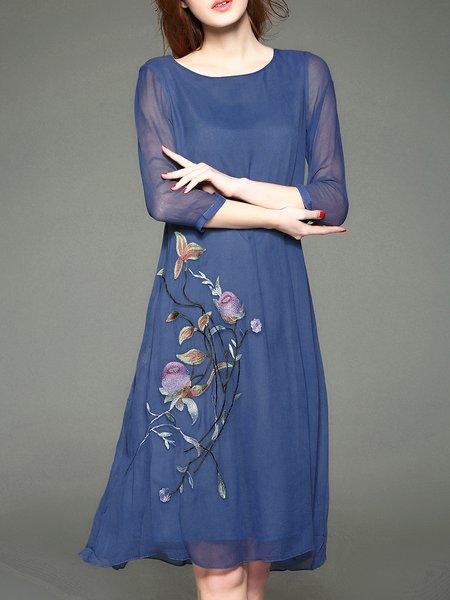 Crew Neck 3/4 Sleeve Embroidered Midi Dress