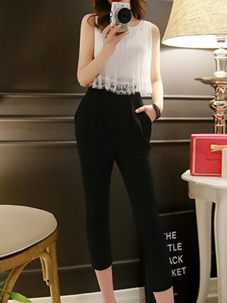 Black-white Girly Color-block Sleeveless Pleated Jumpsuit