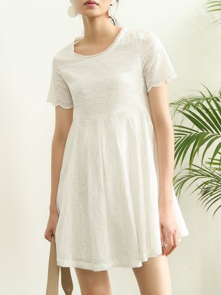 Short Sleeve Pierced Girly Solid Mini Dress