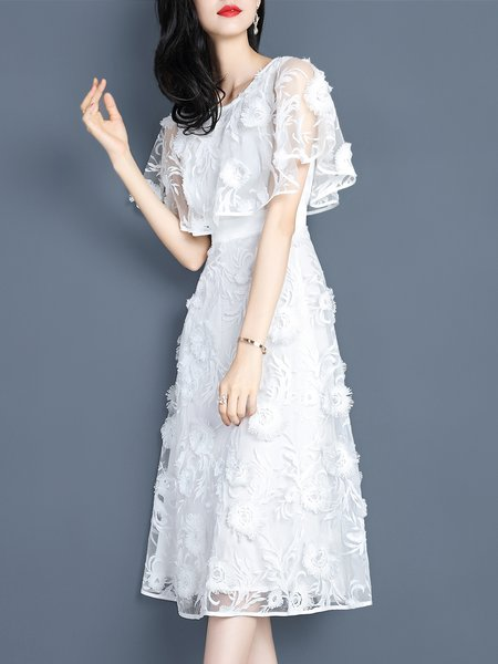 Appliqued White Girly Guipure Midi Dress
