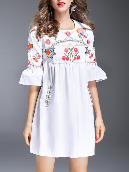 White Floral Embroidered Cute Mini Dress