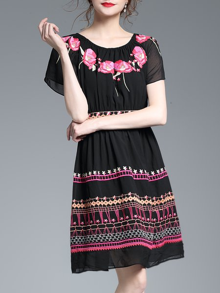Embroidered Short Sleeve Polyester boat Neck Mini Dress