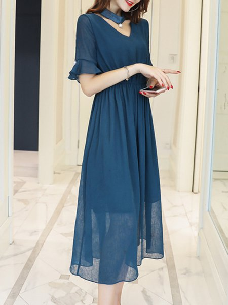Solid Gathered Polyester Casual Bell Sleeve Midi Dress With Chocker