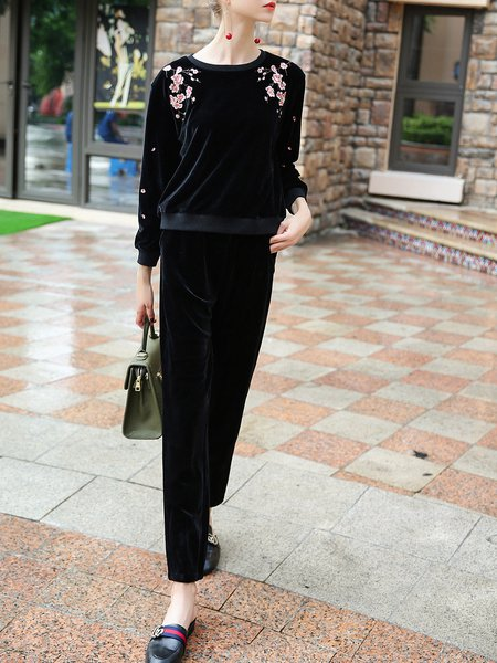 Black Crew Neck Long Sleeve Floral-embroidered Velvet Top With Velvet Pants
