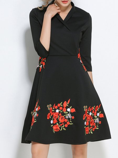Elegant  Half Sleeve Surplice Neck Floral Midi Dress