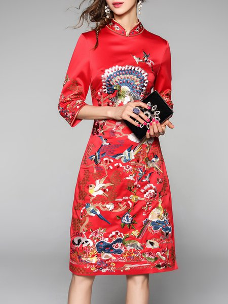 Red Floral-embroidered Stand Collar Vintage 3/4 Sleeve Midi Dress