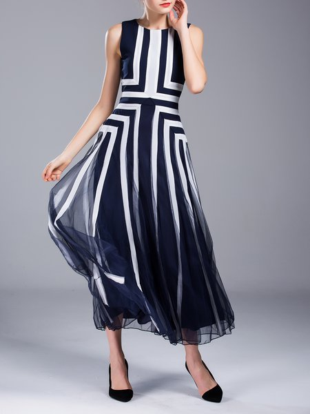 Plus Size Printed Casual Sleeveless Stripes Maxi Dress