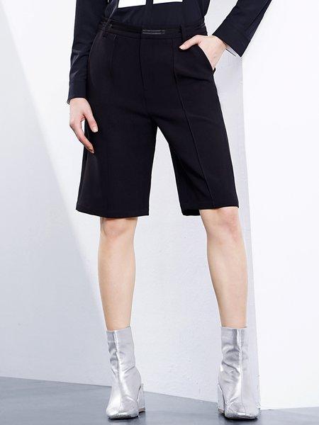 Black Solid Pockets Casual Shorts