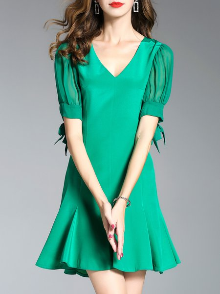 Green Short Sleeve Paneled V Neck Flounce Mini Dress