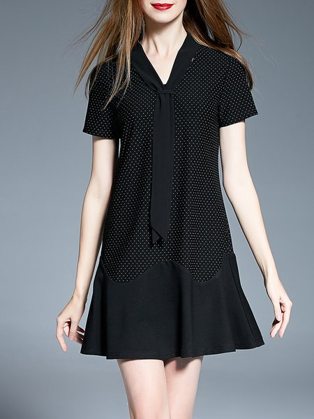 Black Basic V Neck Short Sleeve Mini Dress
