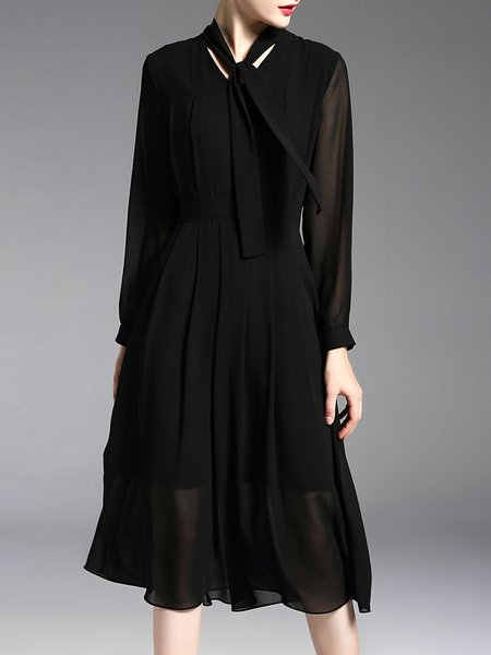 Black Solid Gathered Long Sleeve Midi Dress