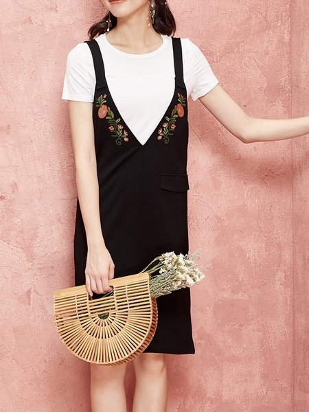 Black H-line Spaghetti Spaghetti Embroidered Midi Dress
