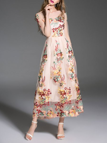 https://www.stylewe.com/product/vintage-floral-3-4-sleeve-embroidered-maxi-dress-55127.html