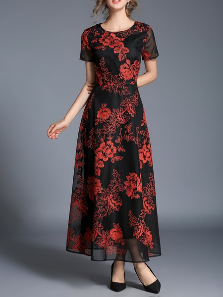 Elegant Shorts Sleeve Embroidered Midi Dress