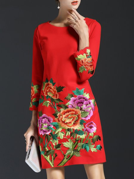 3/4 Sleeve Crew Neck Embroidered Sheath Midi Dress